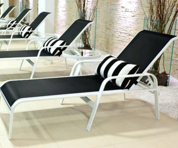 AMBIENTES - CHAISE CLASSIC