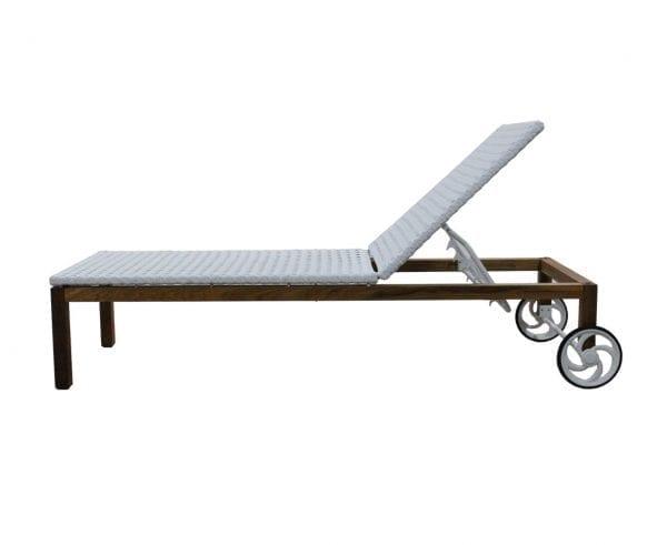 Chaise com rodinha em madeira e fibra sintética Pauba