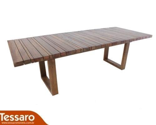 Mesa em madeira turim