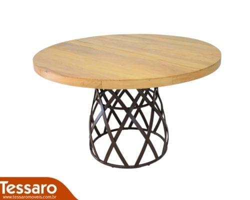 Mesa com tampo em madeira brisa aluminium