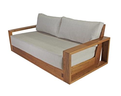 Sofá em madeira arezzo