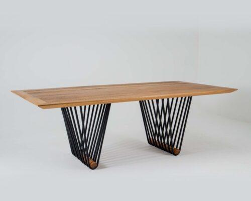 Mesa em madeira e alumínio mantiqueira